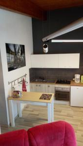 Cuisine ou kitchenette dans l'établissement Studio du Devorah