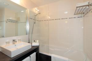 Salle de bains dans l'établissement Appart'City Confort Grenoble Inovallée