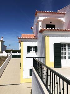 A balcony or terrace at Ericeira Beach House