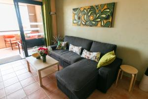 A seating area at Paraiso 1