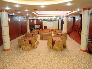 Beijing Jingu Qilong Hotel