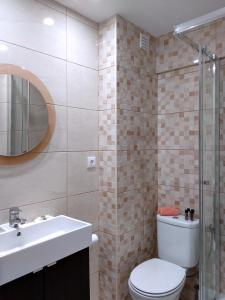 A bathroom at In Faro with Sea View