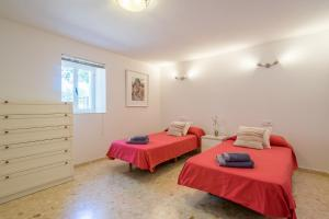 Spa o instalaciones de bienestar en Ibiza Town Villa Sleeps 8 Pool Air Con WiFi