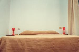 A bed or beds in a room at Modern townhouse in Callao Salvaje CS/109