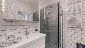 A bathroom at Slodowa Island - Old Town Tectumapartments