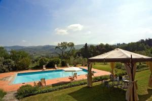 Piscina di Arezzo Villa Sleeps 12 Pool Air Con WiFi o nelle vicinanze
