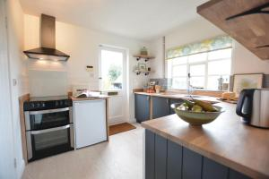 A kitchen or kitchenette at Rookyards