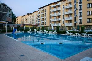 The swimming pool at or near Sunny House Apart Hotel