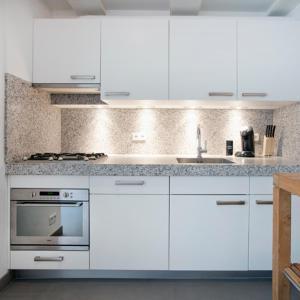 Küche/Küchenzeile in der Unterkunft Charles Apartments