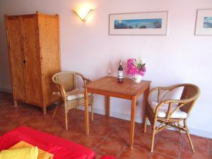 A seating area at Casa Policarpo