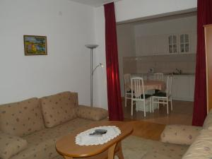A seating area at Apartment Zadar 10