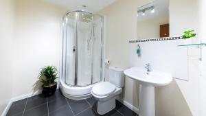 A bathroom at The Spires Aberdeen