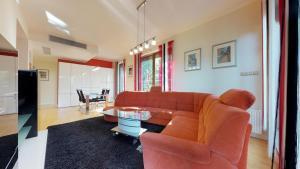 A seating area at Tulipan Big Penthouse