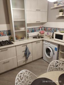 Кухня или мини-кухня в Квартира на Патоличева 29