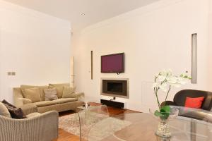 A seating area at London Lifestyle Apartments - South Kensington - Queen's Gate