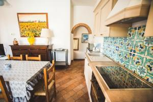 A kitchen or kitchenette at ATENA