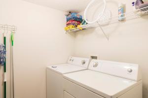 Salle de bains dans l'établissement Comfortable Vacation Townhouse LB0967