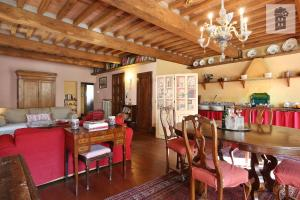 A restaurant or other place to eat at l'attico di delfina