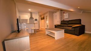 A seating area at Apartamentos Silo