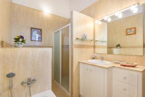 A bathroom at Son Bou Villa Sleeps 10 Pool WiFi
