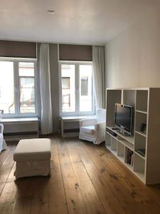 A television and/or entertainment center at Apartment in Historic Centre