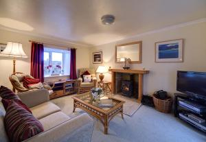 A seating area at Seaside Cottage