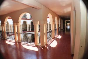 蒙特罗斯酒店 (Los Monteros)