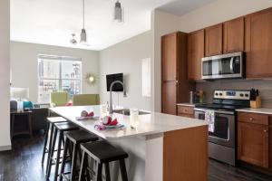A kitchen or kitchenette at Stay Alfred on Caroline Street