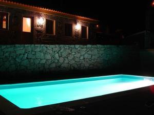 The swimming pool at or near Quinta da Gaiya