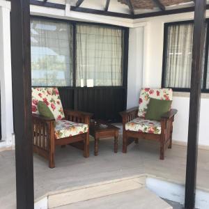 Een zitgedeelte bij Hidden Cottage