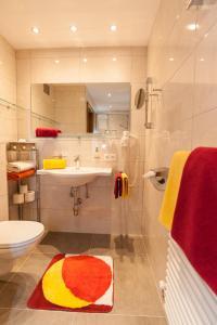 A bathroom at Haus Ladner