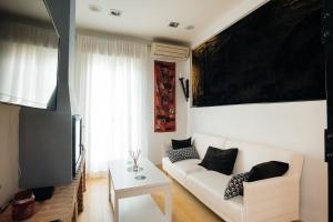 A seating area at Apartment in Atocha with Private Terrace - 2BR 2BT