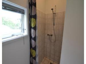 A bathroom at Holiday home Plantagevej E