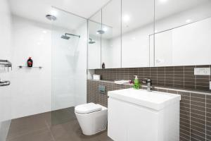 A bathroom at New 2 bed room by park and water,Close to city