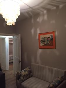 A seating area at Perfect 2 Bedroom Flat Shepherds Bush W12