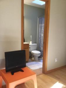 A bathroom at Tewa's Mountain House