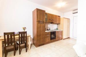 Η κουζίνα ή μικρή κουζίνα στο Lindos Blue Sky