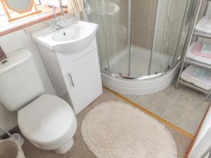 A bathroom at Bodalaw