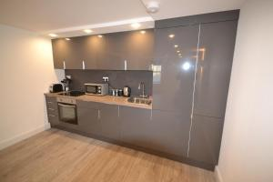 A kitchen or kitchenette at 3 Spring Bridge Road