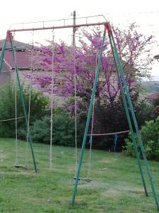 Aire de jeux pour enfants de l'établissement Domaine du Barvy