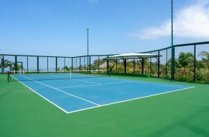 Теннис и/или сквош на территории The Edge Bali или поблизости