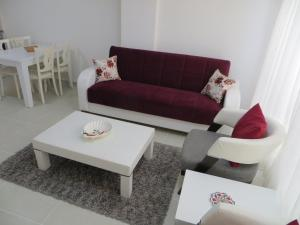 A seating area at Stella City Apartments