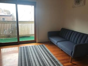 A seating area at 1216 Suites 2B
