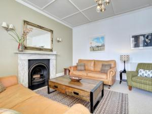 A seating area at Apartment Med Hove