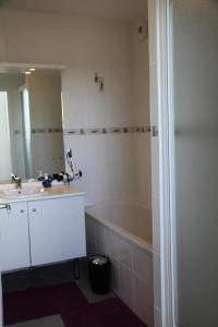 Salle de bains dans l'établissement Appartement 3 pièces 4 personnes grande terrasse 74954