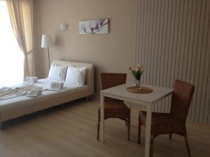 A seating area at Atia Resort
