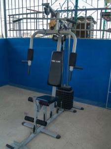 The fitness center and/or fitness facilities at Apart-Hotel Amigos de Cubanito