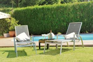 Jardín al aire libre en Bonita villa con piscina privada