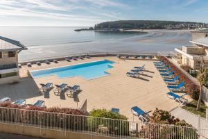 A view of the pool at Résidence Pierre & Vacances Cap-Morgat or nearby