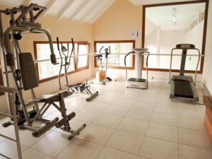 Nexos Barilocheにあるフィットネスセンターまたはフィットネス設備